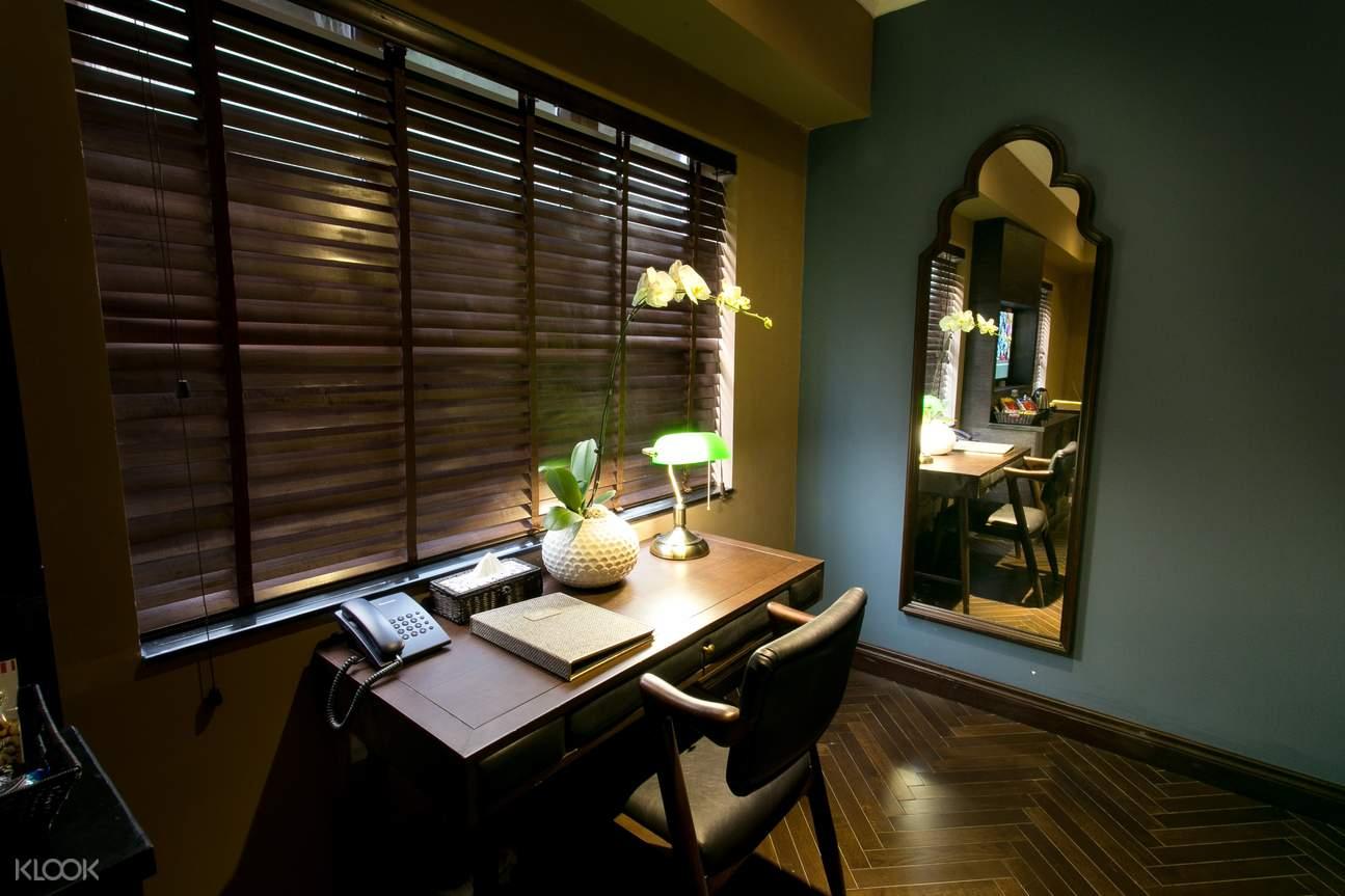 Deluxe Window room